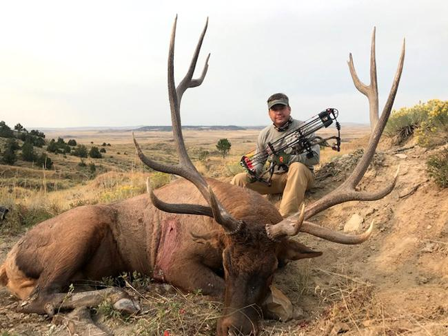 Grizzly Outfitters - Wyoming and Montana Trophy Mule Deer